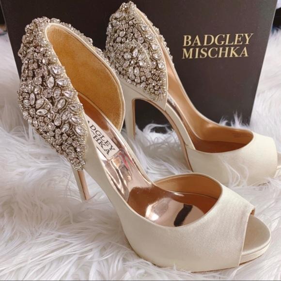Sold Out Badgley Mischka Vicki Heels